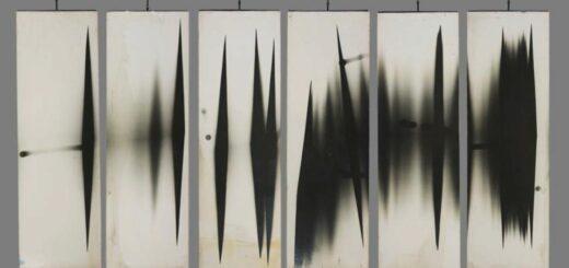 panneaux photographiques pivotants du studio William Klein